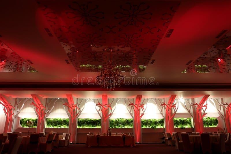 Salón de baile de la boda, color rojo fotografía de archivo