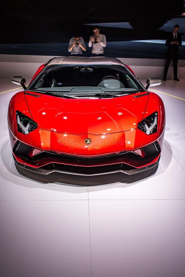 Salón del automóvil internacional de Ginebra: Exposición de Lamborghini imagenes de archivo