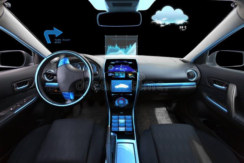 Salón del coche con los sensores del sistema y del meteo de navegación imagenes de archivo