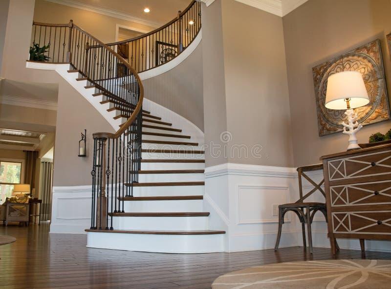 Salón/escaleras foto de archivo