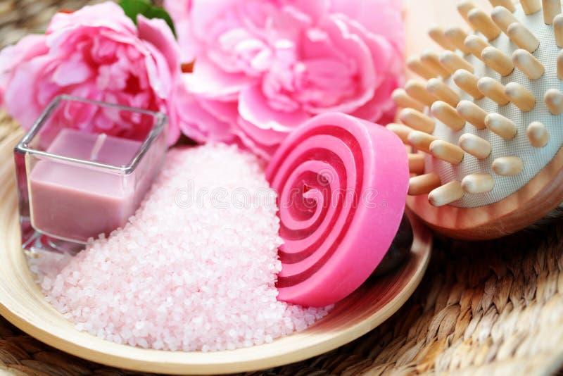 Sal de banho cor-de-rosa fotos de stock royalty free