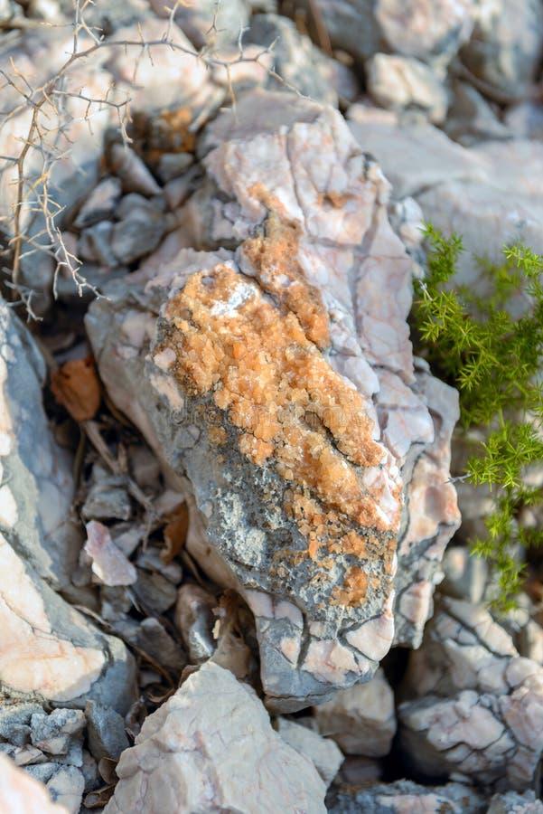 Sal de rocha em pedras fotografia de stock