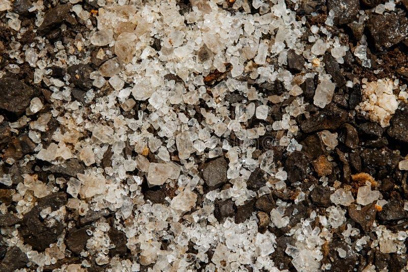 Sal natural com grandes cristais fotografia de stock royalty free