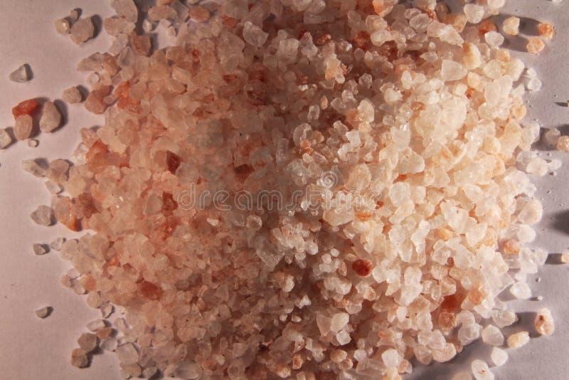 Sal rosada Himalayan, ingrediente de la cocina y elemento holístico fotografía de archivo libre de regalías