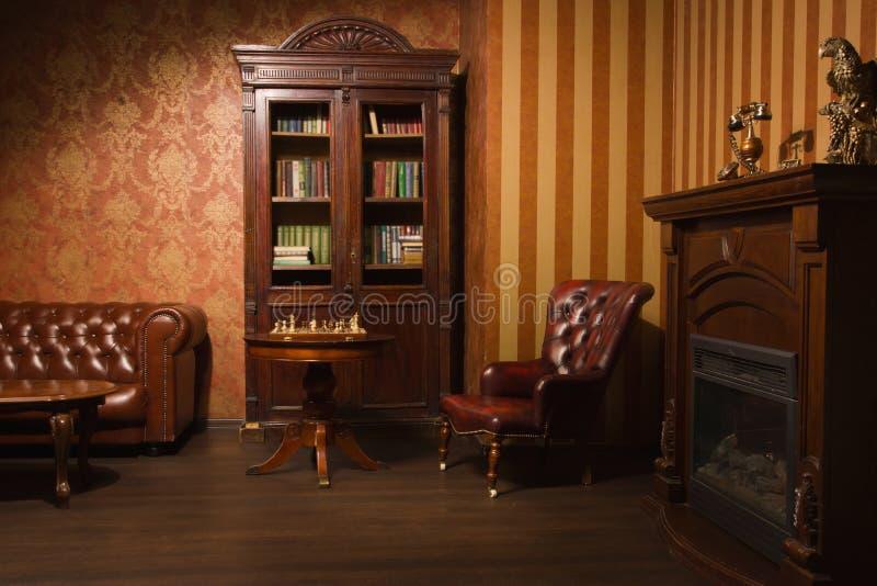 Sala clássica da biblioteca imagens de stock royalty free