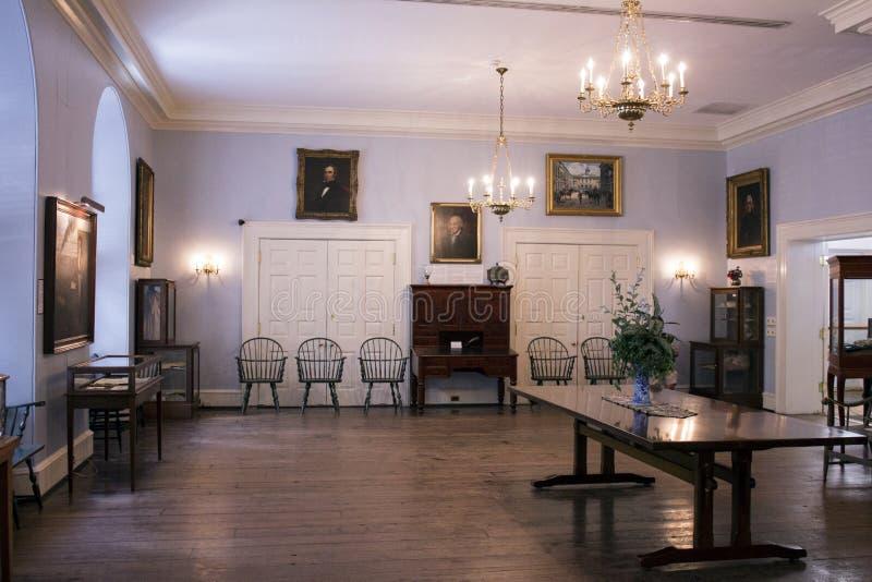 Sala colonial do estado foto de stock