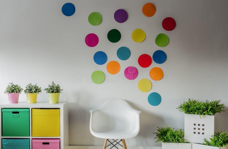 Sala colorida acolhedor para crianças fotos de stock royalty free