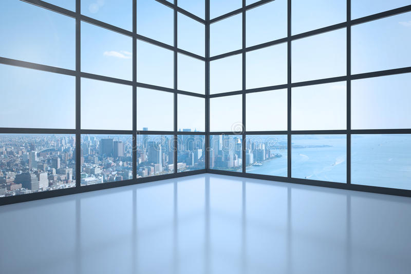 Sala com a janela que mostra a cidade foto de stock