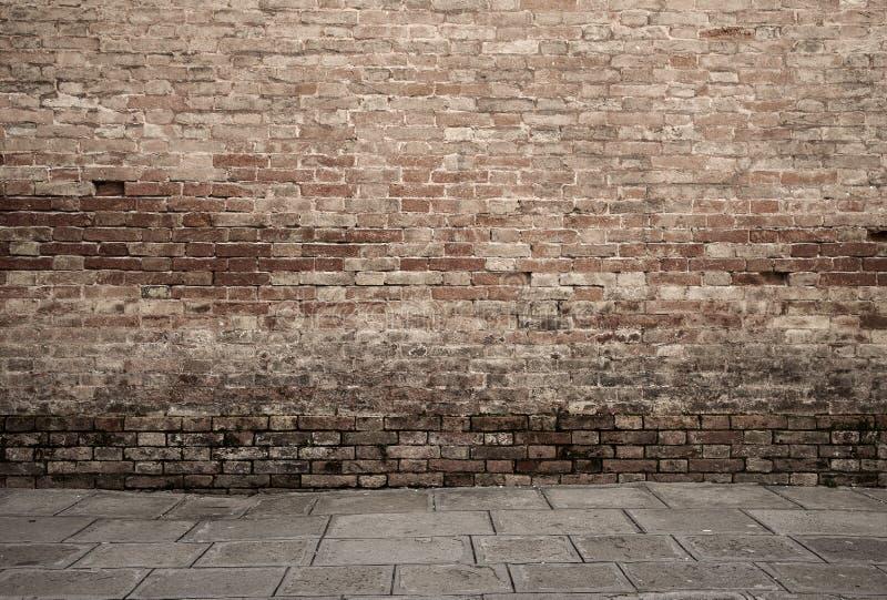 Sala com parede de tijolo ilustração stock