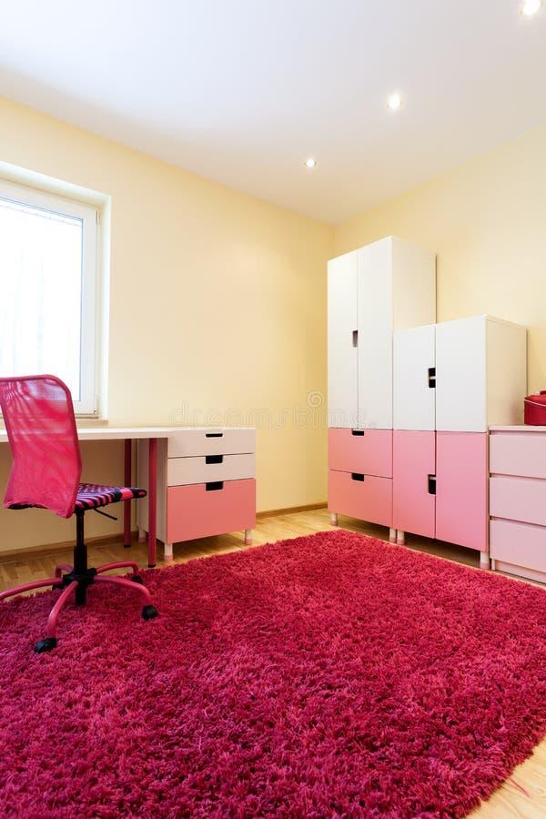Sala cor-de-rosa agradável para meninas imagem de stock