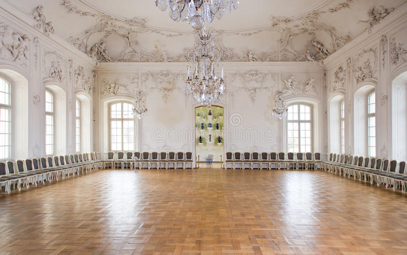 Sala da ballo del grande corridoio nel palazzo di Rundale immagini stock