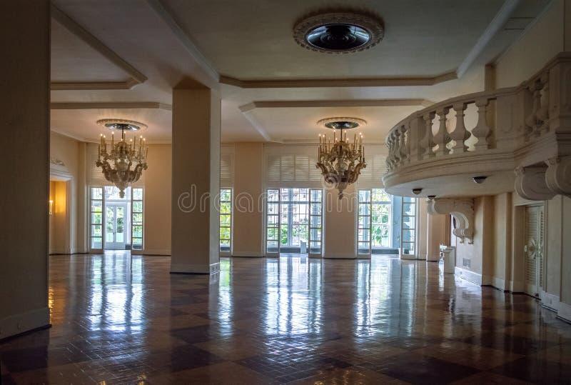 Sala da ballo sociale hotel del casinò del palazzo di Quitandinha al precedente - Petropolis, Rio de Janeiro, Brasile fotografie stock libere da diritti