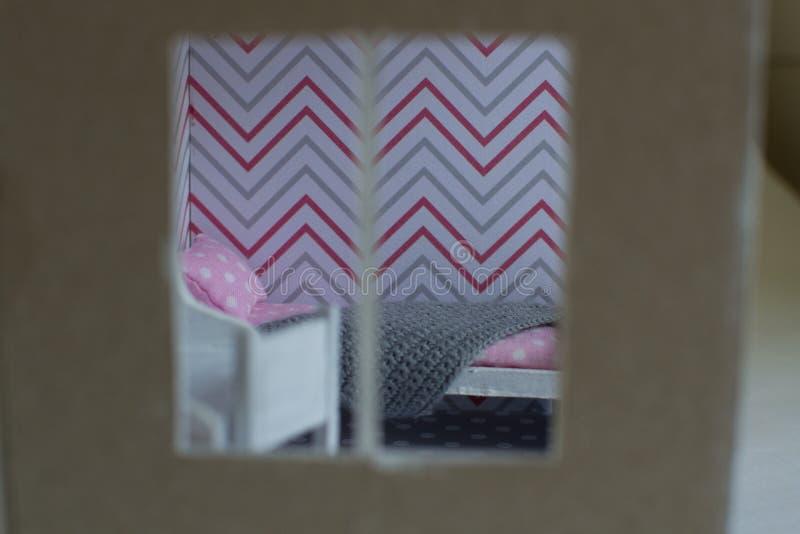 A sala da menina de Roombox em uma escala menor imagens de stock royalty free