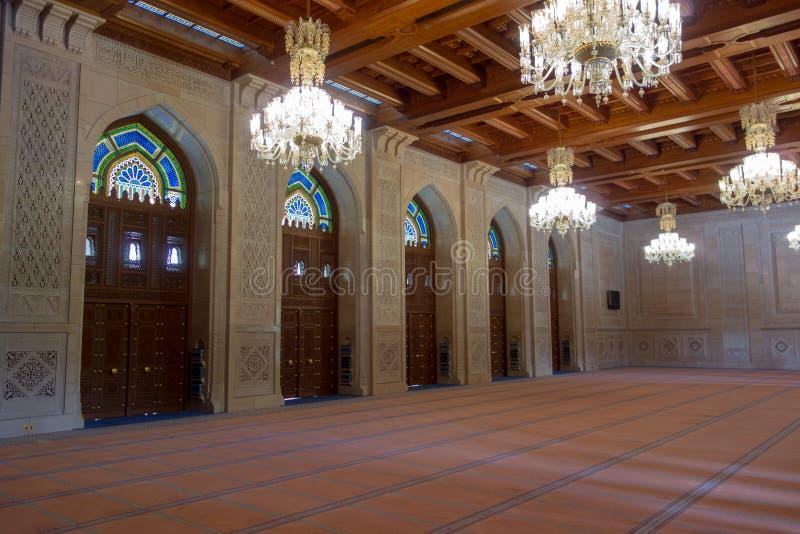 Sala da oração da mulher em Sultan Qaboos Grand Mosque foto de stock royalty free