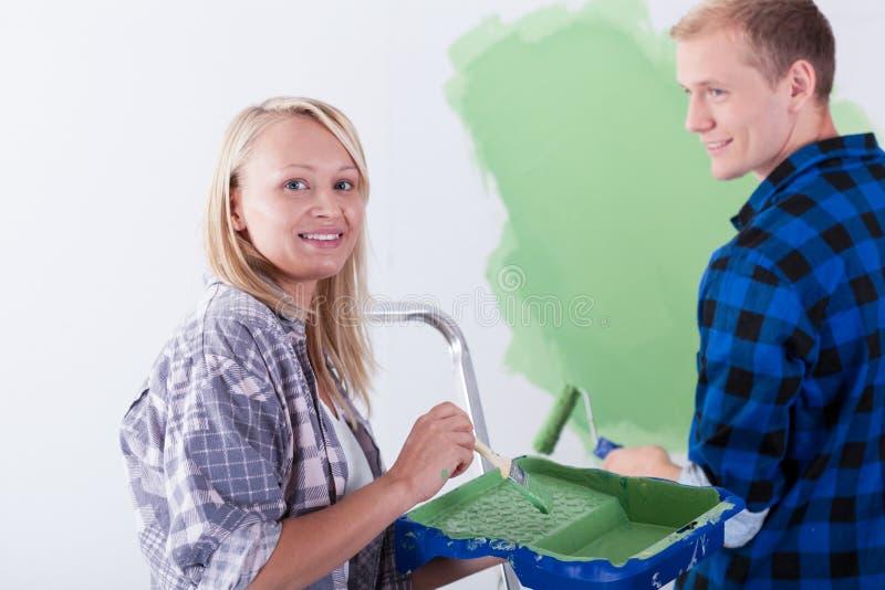 Sala da pintura da união feliz imagem de stock