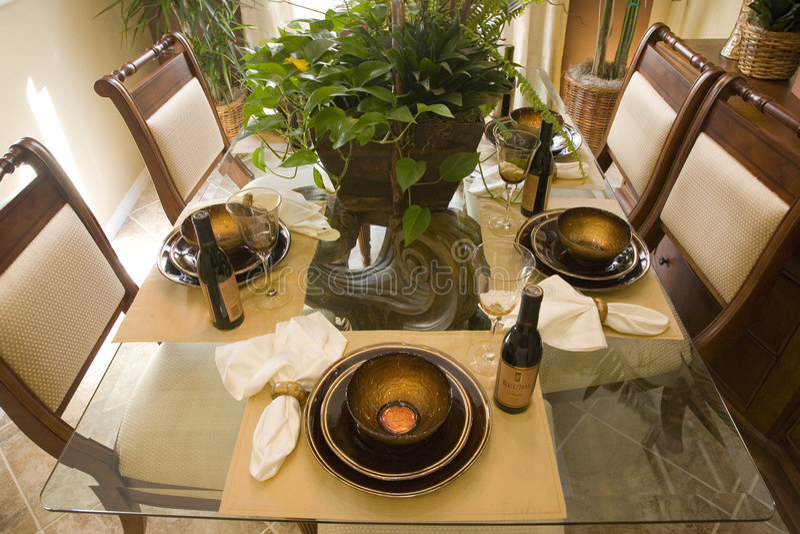 Sala da pranzo domestica di lusso. fotografia stock