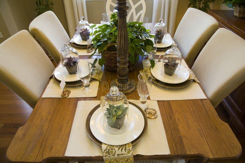 Sala da pranzo domestica di lusso. immagine stock