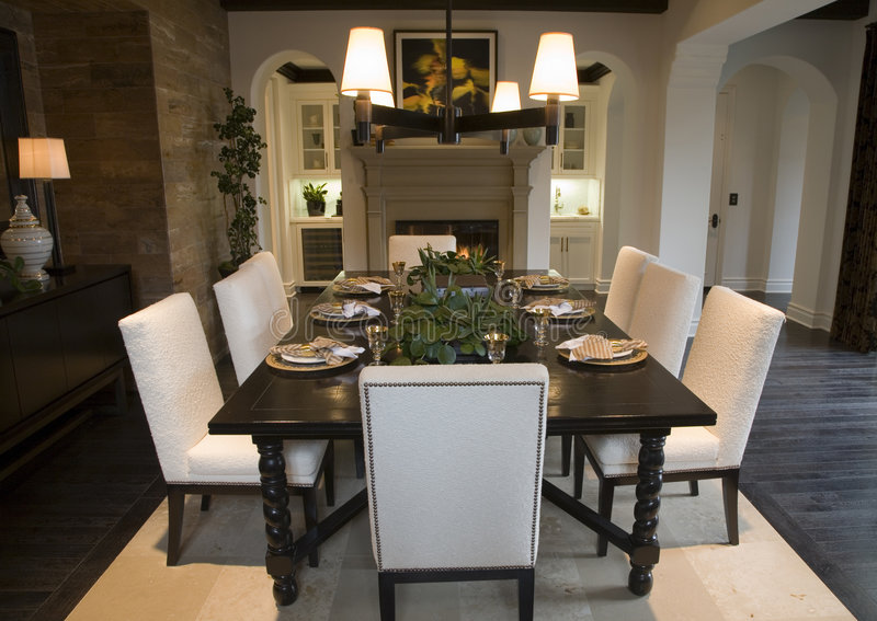 Sala da pranzo domestica di lusso fotografie stock libere da diritti