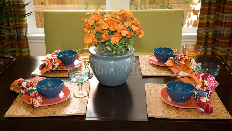 Sala da pranzo domestica di lusso. immagine stock libera da diritti