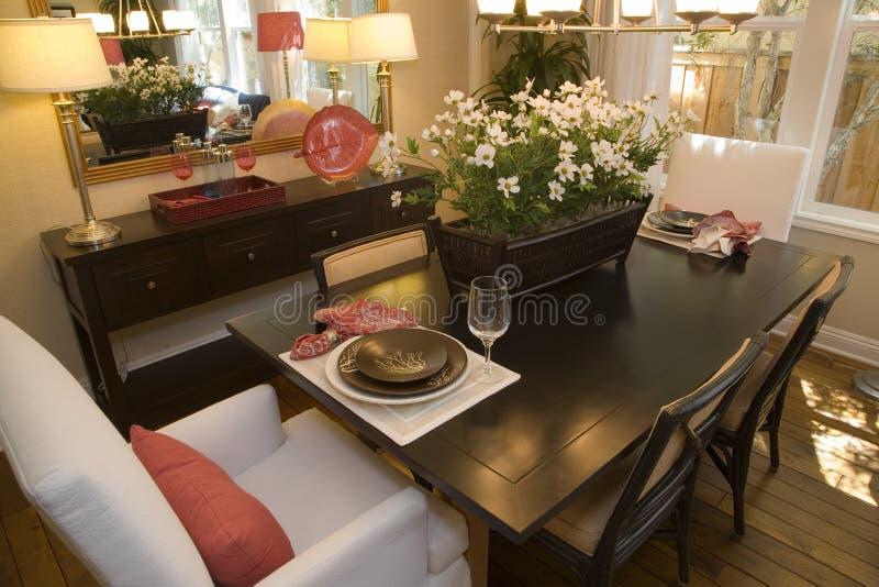 Sala da pranzo domestica di lusso. immagini stock