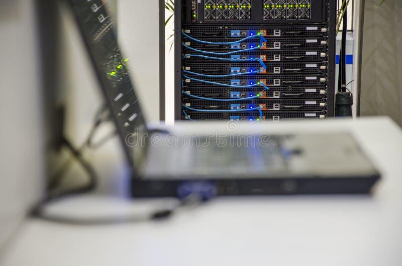 Sala da rede informática imagens de stock