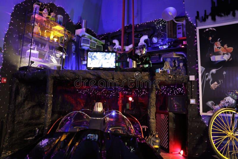 Sala de Batmobile da coleção de Dezer do museu de Miami auto imagens de stock