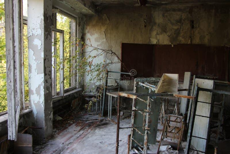 Sala de clase abandonada en Pripyat imagen de archivo libre de regalías