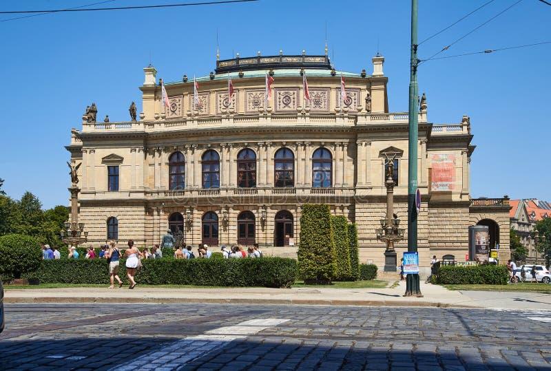 Sala de conciertos de Rudolfinum, Praga foto de archivo