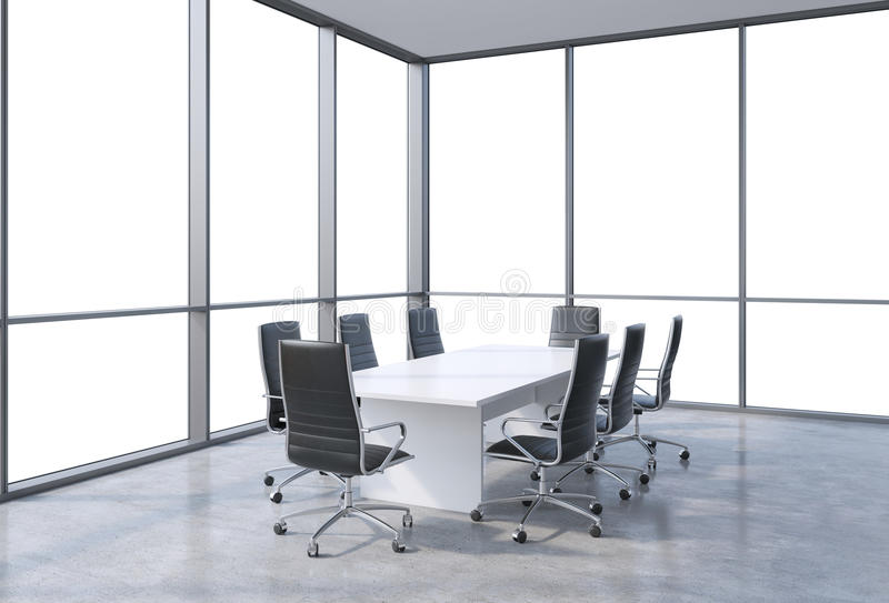 Sala de conferências panorâmico no escritório moderno, opinião do espaço da cópia das janelas Cadeiras pretas e uma tabela branca ilustração stock