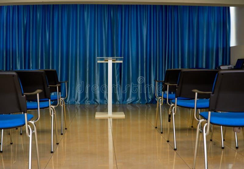 Sala de conferencias azul foto de archivo