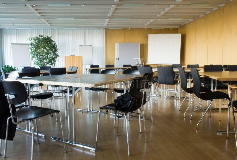 Sala de conferencias vacía imagen de archivo