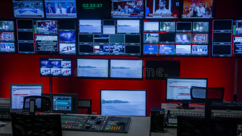 Sala de control de la TV fotos de archivo