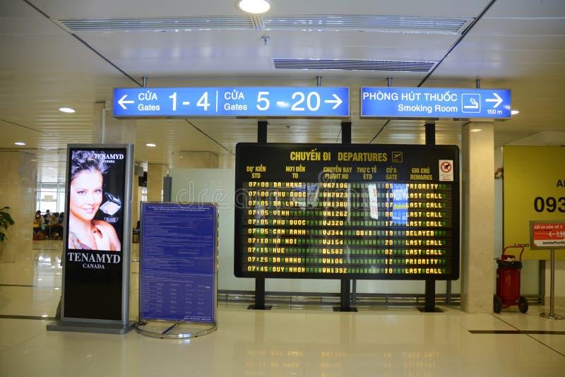 Sala de espera en el aeropuerto de Tan Son Nhat, Vietnam foto de archivo