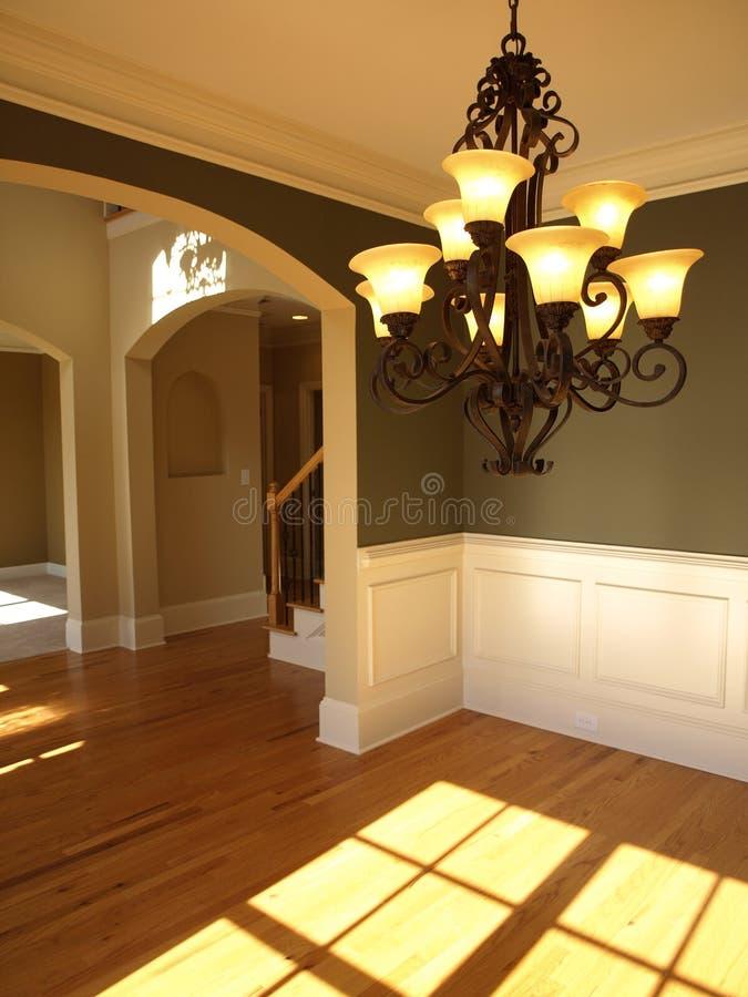 Sala de estar adornada de lujo con la luz imagenes de archivo