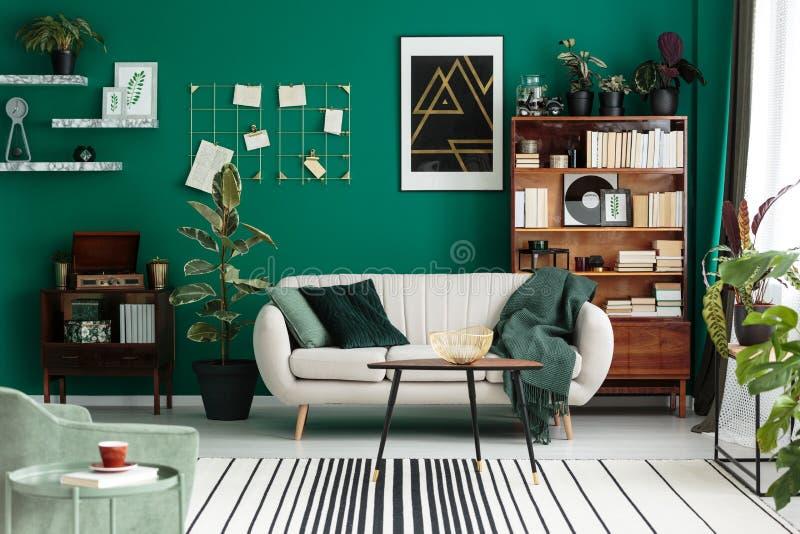 Sala de estar botánica del diseño moderno foto de archivo