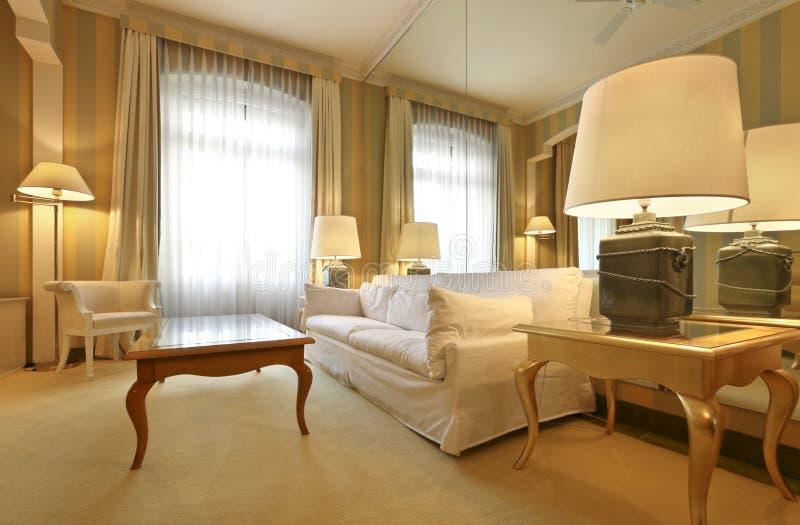 Sala de estar clásica cómoda imagen de archivo