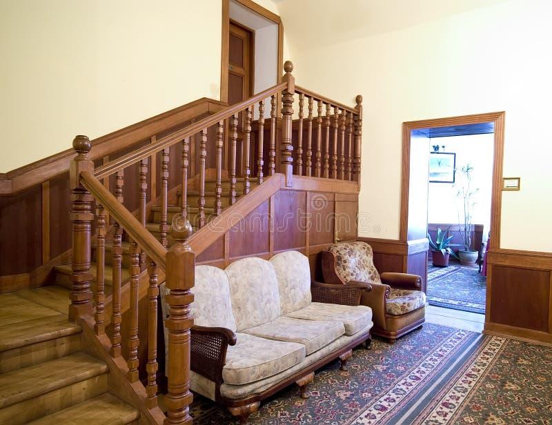 Sala de estar clássica do hotel fotografia de stock
