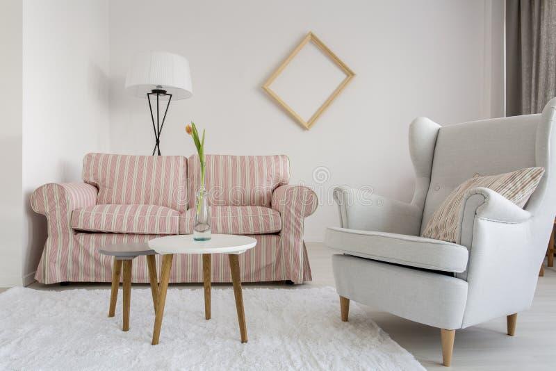 Sala de estar con la buena atmósfera foto de archivo libre de regalías
