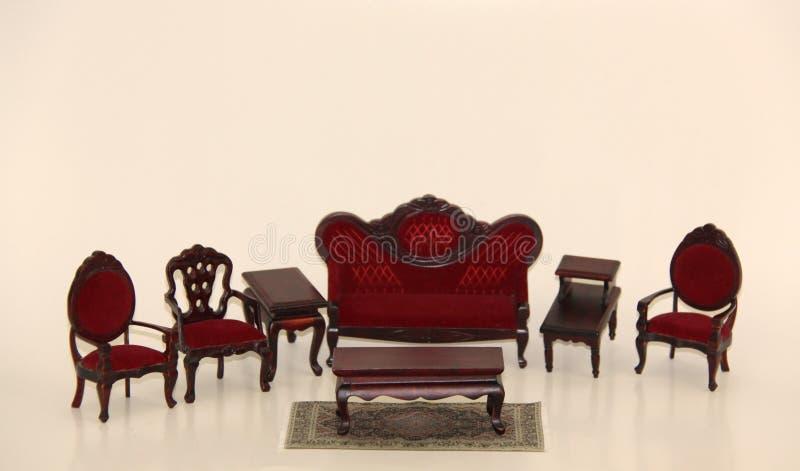 Sala de estar de los muebles de la casa de muñeca imágenes de archivo libres de regalías