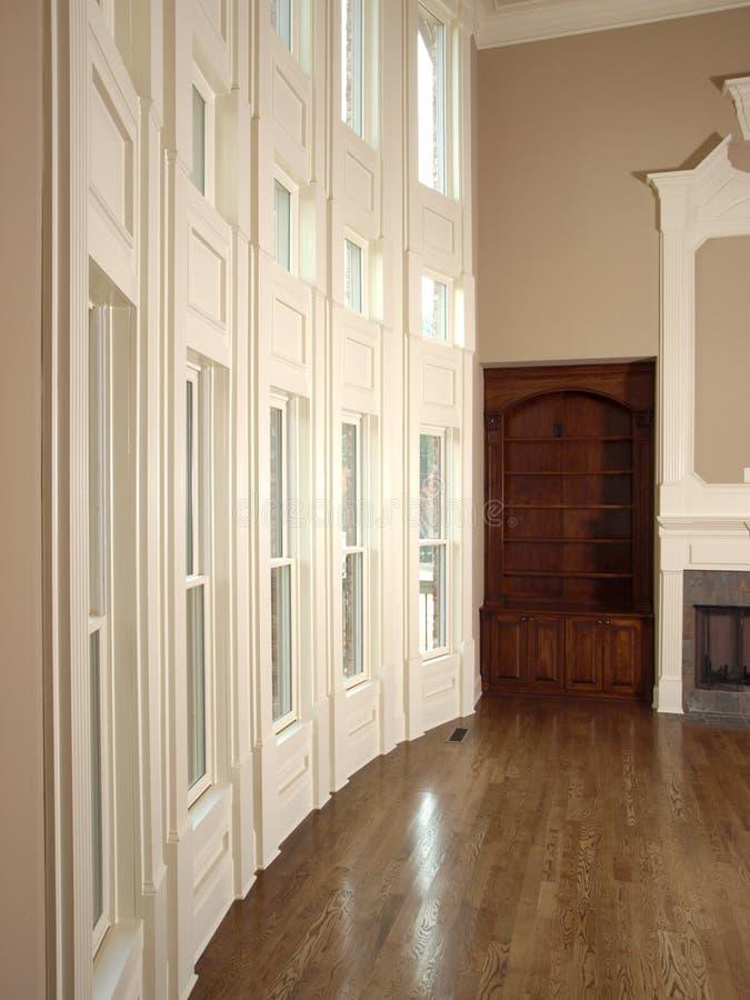 Sala de estar de lujo con la pared 3 de la ventana imágenes de archivo libres de regalías