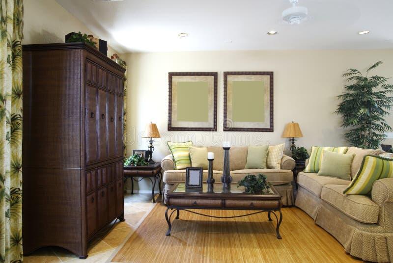 Sala de estar del hogar del centro turístico del chalet fotografía de archivo libre de regalías