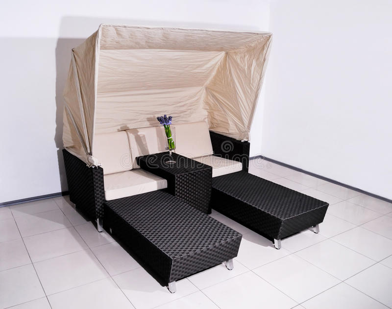 Sala de estar do Chaise para o descanso fotos de stock royalty free