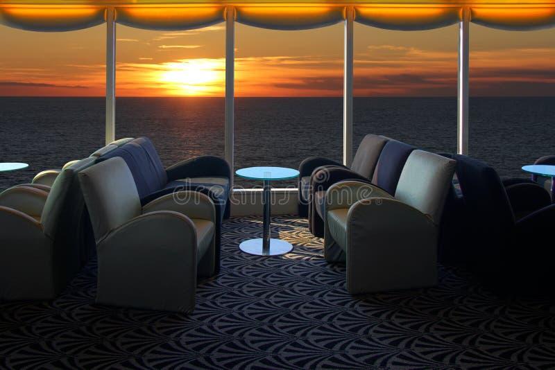 Sala de estar em um navio de cruzeiros imagens de stock royalty free