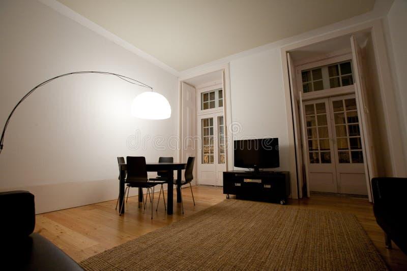 Sala de estar en el estilo moderno foto de archivo libre de regalías