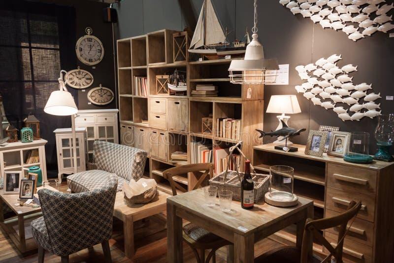 Sala de estar en la exhibición en HOMI, demostración internacional del hogar en Milán, Italia fotos de archivo libres de regalías