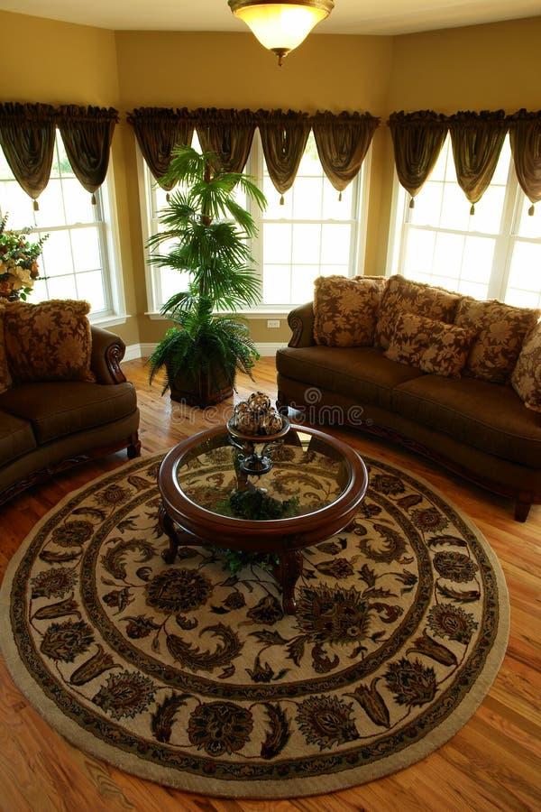 Sala de estar en un hogar de lujo foto de archivo