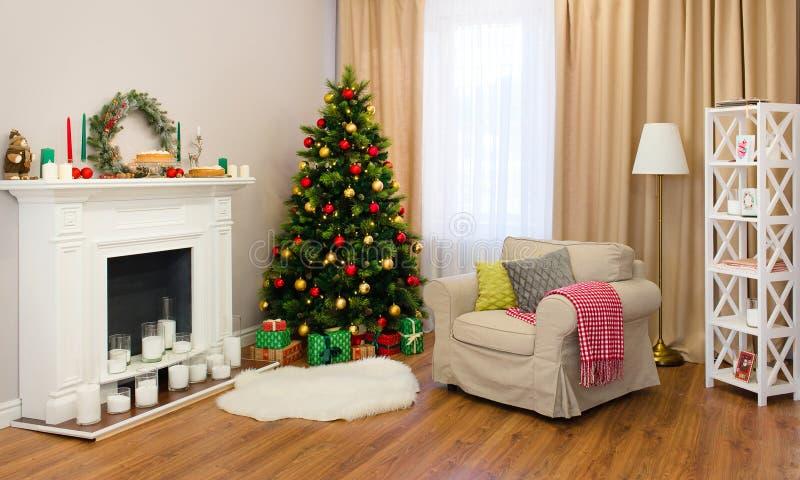 Sala de estar fina adornada para la Navidad foto de archivo libre de regalías
