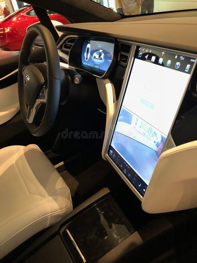 Sala de exposições de Tesla imagens de stock