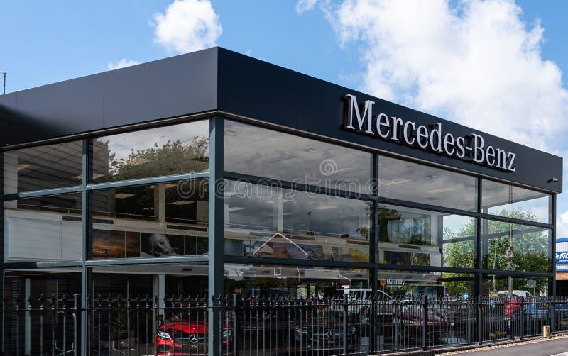Sala de exposición Newbury del Mecredez-Benz imágenes de archivo libres de regalías
