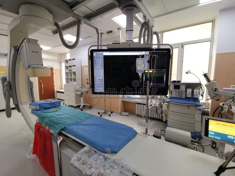 Sala de funcionamento moderna da cirurgia no hospital imagem de stock royalty free